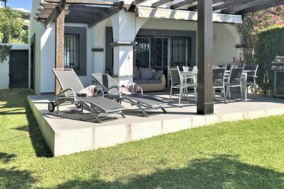 Maison de vacances moderne avec piscine commune à Marbella