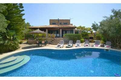 Demeure patrimoniale à Mancor de la Vall avec piscine privée
