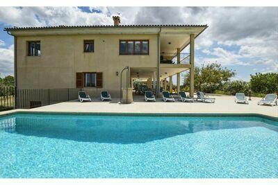 Belle maison de campagne avec piscine et vue panoramique pour 10 personnes