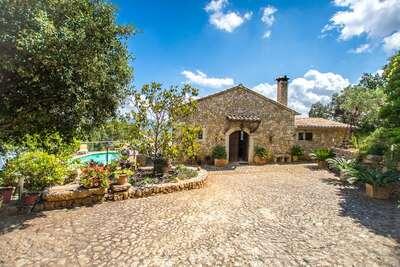 Maison de vacances confortable à Selva avec piscine privée