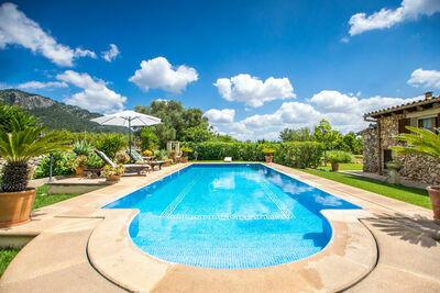 Belle maison en pierre près de Selva avec piscine