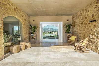 Villa confortable à St Llorenç des Cardassar avec piscine