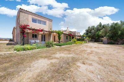 Gîte rustique avec piscine à Campos Espagne