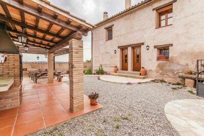 Chalet typique avec piscine en Catalogne, en Espagne