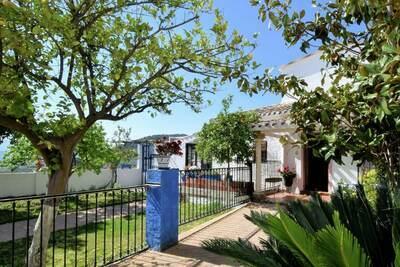 Maison de vacances moderne à Priego de Córdoba avec piscine