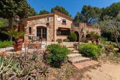 Demeure moderne avec jardin privé située à Palafrugell