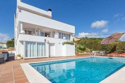 Villa spacieuse avec piscine privée à Blanes