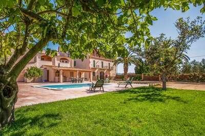 Maison de vacances spacieuse avec piscine privée, Catalogne