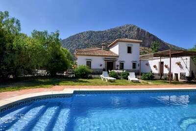 Villa de luxe à Loja avec piscine