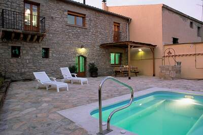 Demeure moderne avec piscine privée à Guimerà