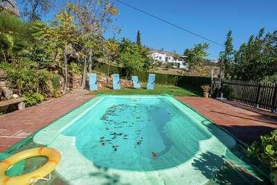 Maison de vacances confortable avec piscine à Antequera