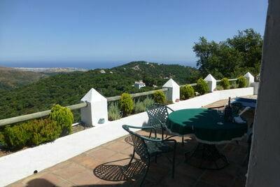 Belle maison avec piscine privée et vue imprenable