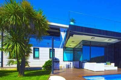 Villa avec vue panoramique sur mer et piscine à Sanxenxo