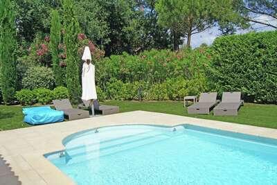 Villa moderne à Gassin avec piscine