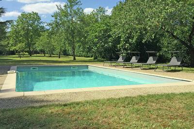 Maison de vacances de charme avec piscine à Chalabre