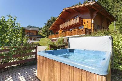 Maison de vacances luxueuse à La Côte-d'Arbroz avec sauna