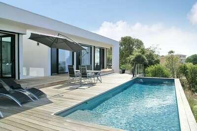 Villa moderne et spacieuse à Albitreccia avec piscine privée et  vue panoramique