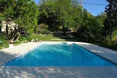 Ferme de charme avec piscine à Pont-de-Barret