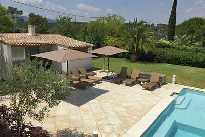 Belle villa avec piscine privée à Mougins