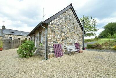 Maison Bretonne en pierres de pays à Saint-Gilles-les-Bois
