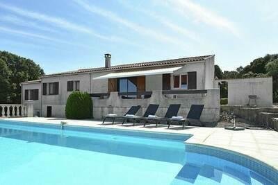Villa de charme avec jardin privé à Argelliers