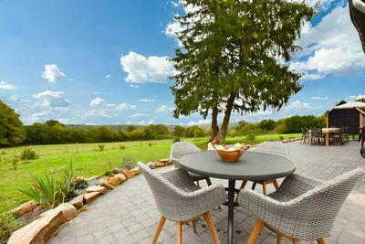 Maison spacieuse avec jardin située à La Neuville-aux-Joûtes