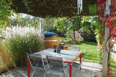 Maison en bois à Saint-Quirin avec terrasse et panorama