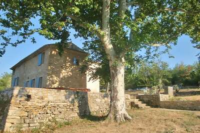 Villa de luxe en Provence avec terrasse, jardin avec sièges