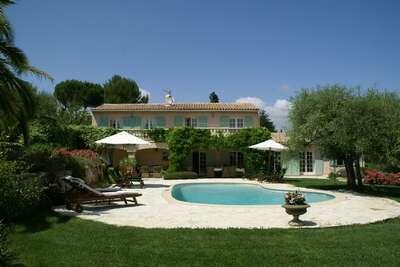 Magnifique villa à Valbonne avec jardin