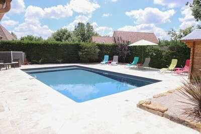 Villa cosy avec piscine privée à Saint-Martin-le-Redon