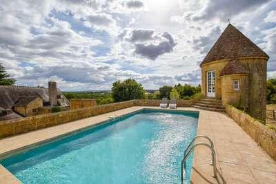 Magnifique manoir en Auvergne avec piscine privée