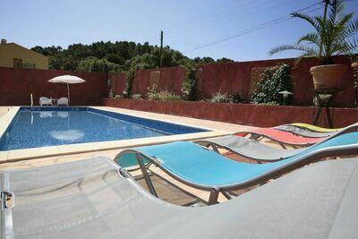 Villa moderne avec piscine privée située à Roquebrun