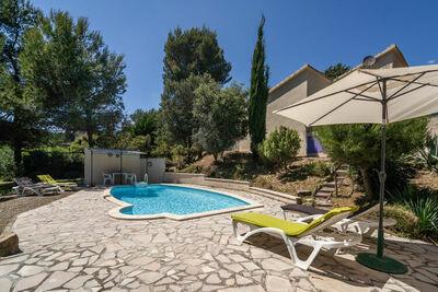 Villa moderne avec piscine privée à Pouzols-Minervois