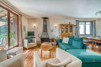 Villa spacieuse avec piscine privée à Prades-sur-Vernazobre