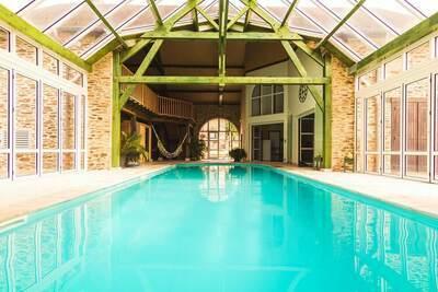 Maison de vacances chic avec piscine à Ségur-le-Château