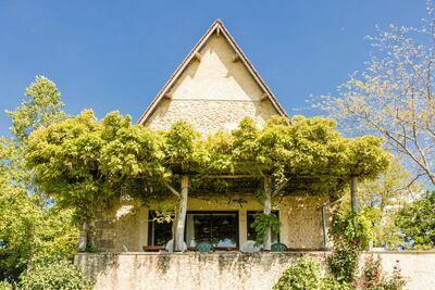 Belle maison de vacances avec piscine à Thenon