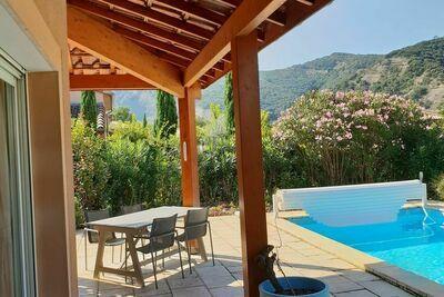 Luxueuse villa moderne avec piscine à Vallon-Pont-d'Arc