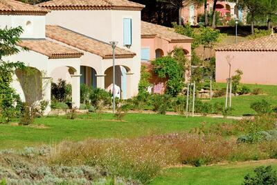 Maison individuelle avec terrasse ou loggia, en Languedoc