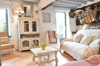 Charmante maison avec jardin à Mézy-Moulins en France