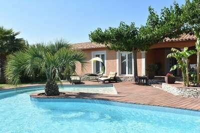 Maison de vacances de luxe avec piscine privée et centre à proximité