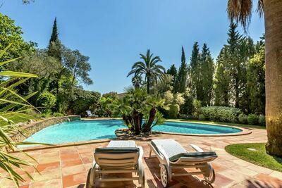 Magnifique villa avec piscine à Grimaud