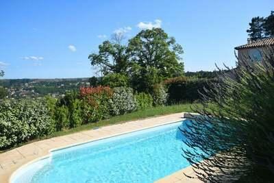 Villa impressionnante, vue sur la colline à Joyeuse France