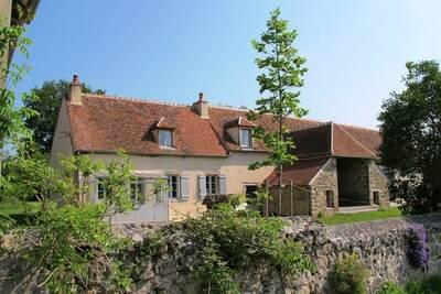 Maison de vacances indépendante à Braize avec terrasse