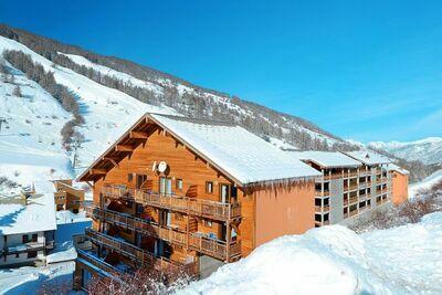 Appartement en bois bien entretenu à 1600 m d'altitude