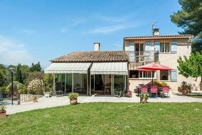 Villa moderne à Mougins avec piscine privée