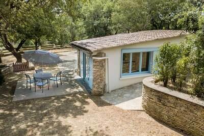 Maison confortable à Uzer avec piscine