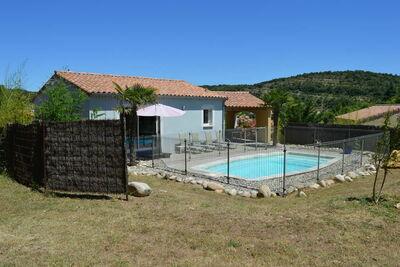 Magnifique villa près de Sampzon avec jardin privé