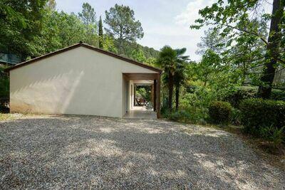 Maison de vacances agréable avec piscine privée aux Salelles