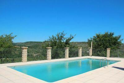 Maison de vacances dans le sud de la France avec jardin