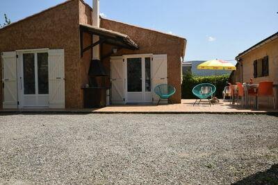 Gîte confortable avec terrasse à Lagorce, Ardèche